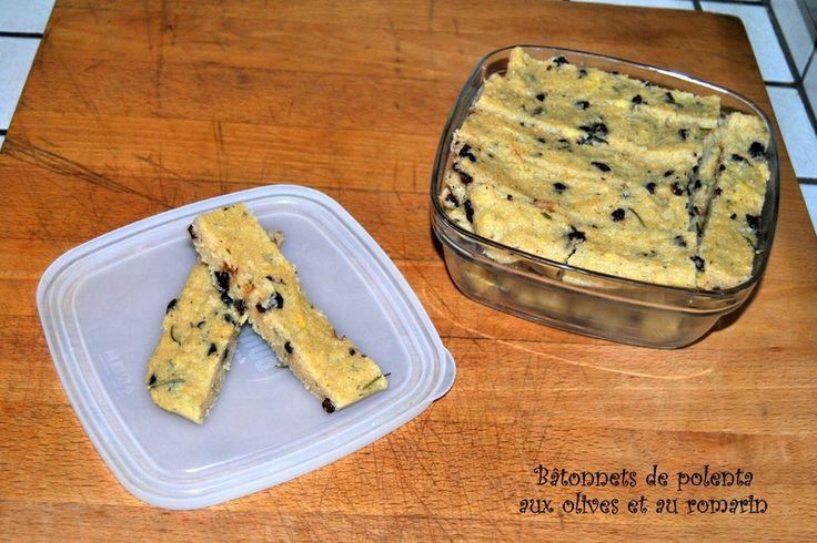 Bâtonnets de polenta aux olives et au romarin