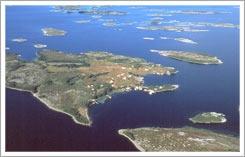 Turun saaristo on yksi maailman hienoimmista saaristoista. Siellä on noin 20 000 saarta. Kirjoittanut Nikke & Veeti