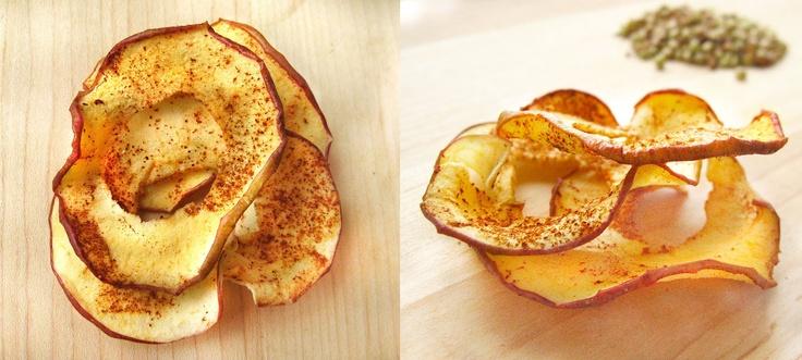Dehydrator apple cinnamon chips - just apples, cinnamon and lemon juice  #raw #vegan #snacks #cleanprogram