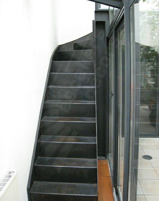 39 best un escalier sur limon central design escaliers d cors images on pinterest stairs. Black Bedroom Furniture Sets. Home Design Ideas
