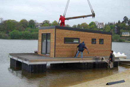 17 best images about cabane sur l 39 eau maison flottante for Maison flottante