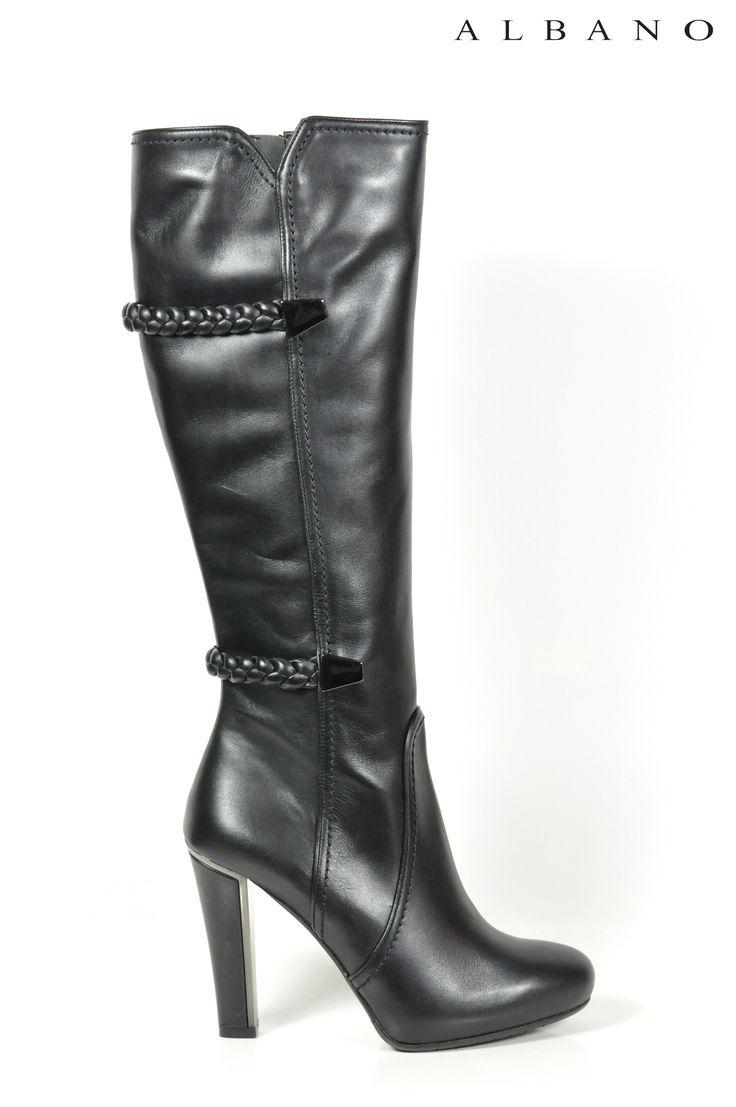 Stivali Albano realizzati in pelle nera ed impreziositi da intreccio in pelle!