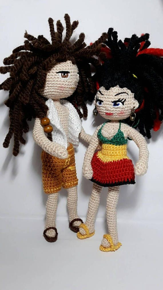 Amigurumi crochet doll made with very fine mercerized cotton yarn measures 7.5 cm and 18.5 cm high. Ideal rastafari style as a gift for friends or for you