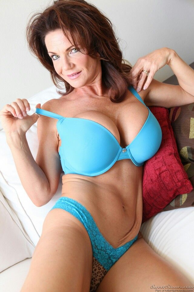 vallejuelo milf women Daily updated mature women and milf galleries olderwomencom creators of auntjudyscom are glad to make you surprised with the new porn resource: older women presenting the steamiest and most electric 30+ erotic babes, we remind that as the saying goes: forty years old her tale is told, ladies of forty five start them again.