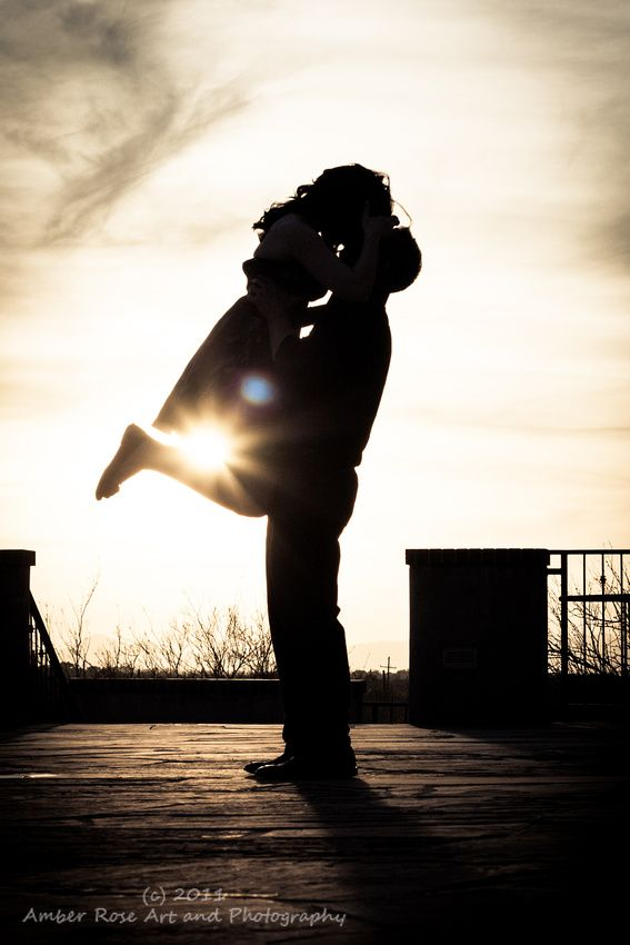 Engagement photography, engagement pose ideas. Silhouette, Amber Rose Photography