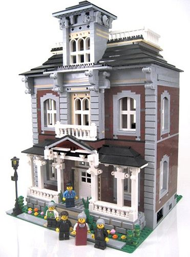 Brickstone Manor Victorian Home  More at www.brickbuilderspro.com  The Lego City Historic Society is proud to present Brickstone Manor! Restored to its former glory, this vintage home is now one of the city's most beautiful attractions!