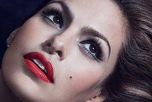Capelli castano scuro o neri e make-up: ispirazioni e consigli