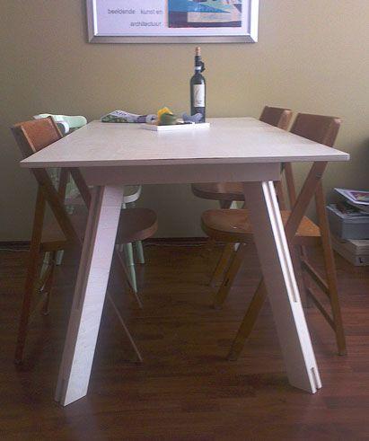 DIY table made in poplar multiplex by Paulien, design by Neo-Eko  |  een Tafel Teruel gemaakt door Paulien in populieren multiplex