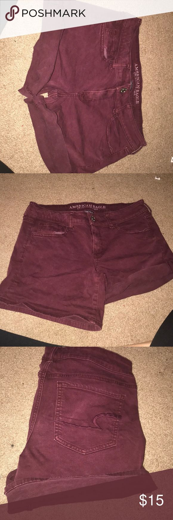 American eagle maroon shorts! Super cute shorts, barley worn! Can be worn long or short by rolling the bottoms. Super comfortable material, very stretchy! Could fit a 12 or 10! American Eagle Outfitters Shorts