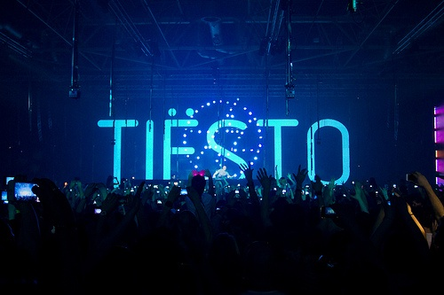 1000 images about tiesto on pinterest dj headphones stage name and musicians. Black Bedroom Furniture Sets. Home Design Ideas