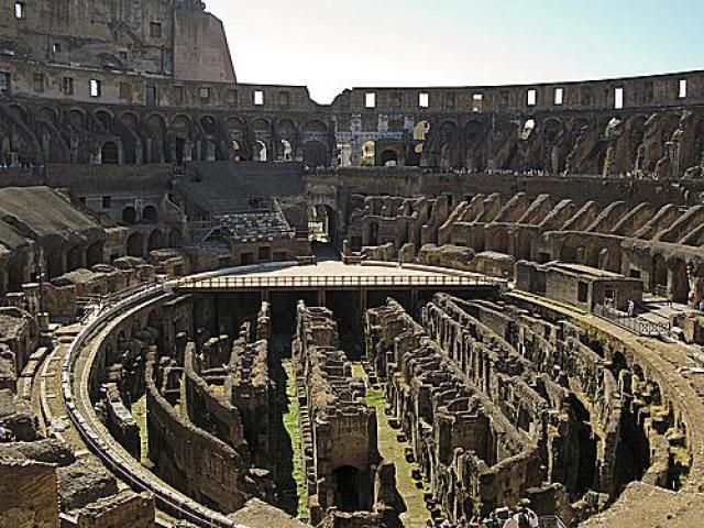 Pictures of the Roman Colosseum: Inside the Roman Colosseum