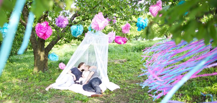 Family time #photography #orchard #pink #blue www.mamochotena.pl
