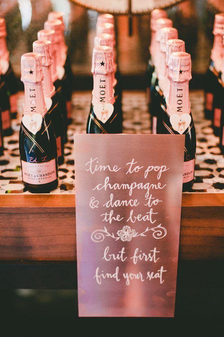 Wedding favor idea; Photo: Onelove Photography