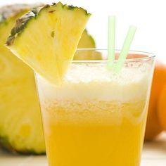 Jugos para desintoxicar el cuerpo: zumo para perder peso Una de las razones por las que muchas personas desean eliminar toxinas es para prepararse para una dieta que les ayude a quitarse esos kilos de más. Por eso este jugo para desintoxicar y perder peso es ideal y delicioso, aportando antioxidantes, favoreciendo el tránsito intestinal y ayudando a la eliminación de grasa.  Necesitarás estos ingredientes:  3/4 de vaso de zumo de naranja natural 2 rodajas de piña 1 tallo de apio 4 ramas de…