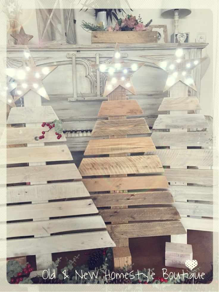 Pallet wood Christmas trees with light up star ❤️
