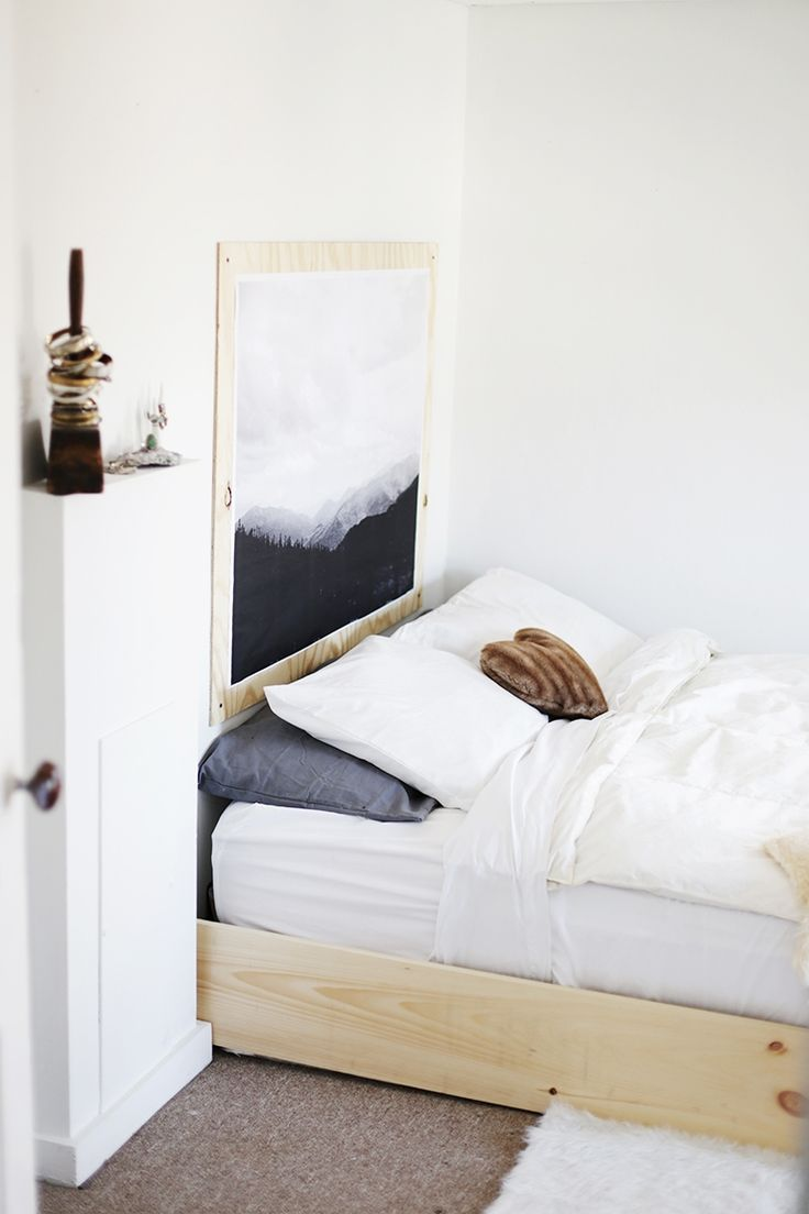 Minimalistic Bedroom Stunning Decorating Design