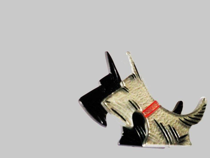 Zwart en wit scottie dog broche van kunststof honden speld pin vintage sieraad perspex 1950-1960 door TresbeLLL op Etsy