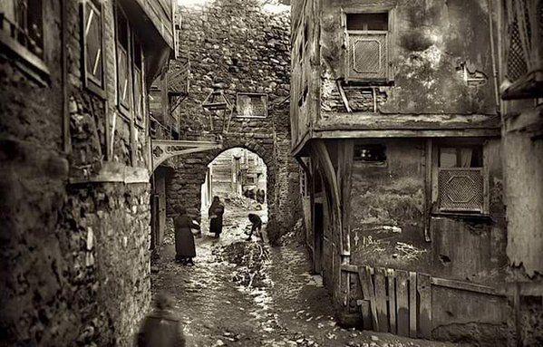 Yanıkkapı, Galata (1920'ler) #birzamanlar #istanlook #nostalji