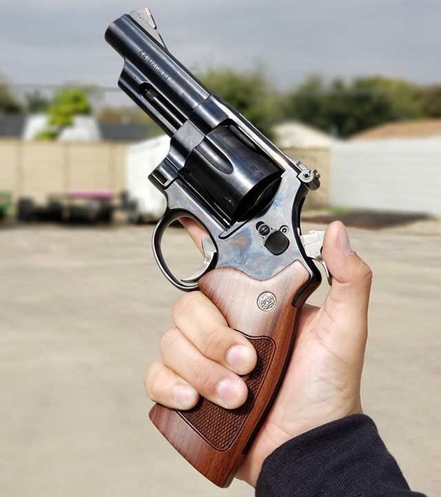 Smith&Wesson makes the best revolvers? Yes or no. -
