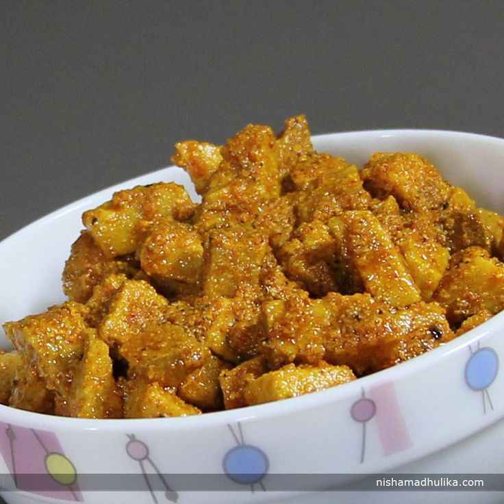 Yam pickle is the crunchy and delicious pickle which will make your meal more delightful.  Recipe in English - http://indiangoodfood.com/2019-jimikand-achar-recipe.html (copy and paste link into browser)  http://nishamadhulika.com/1174-yam-pickle-recipes.html (copy and paste link into browser)