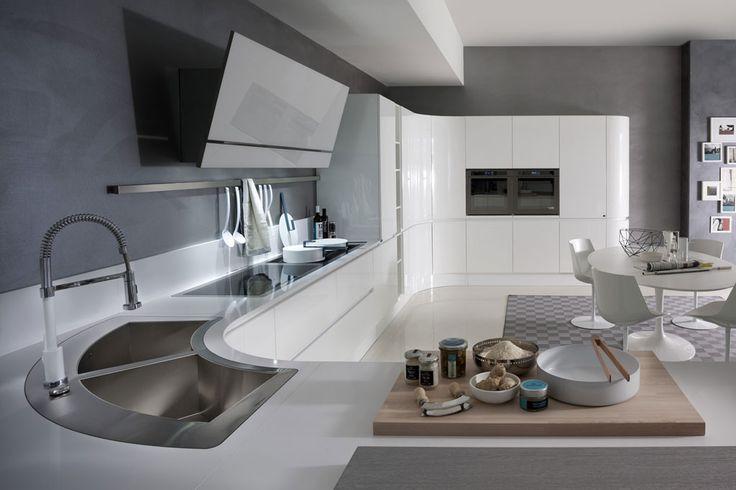 Artika Line. The original curved kitchen. An Italian kitchen design classic