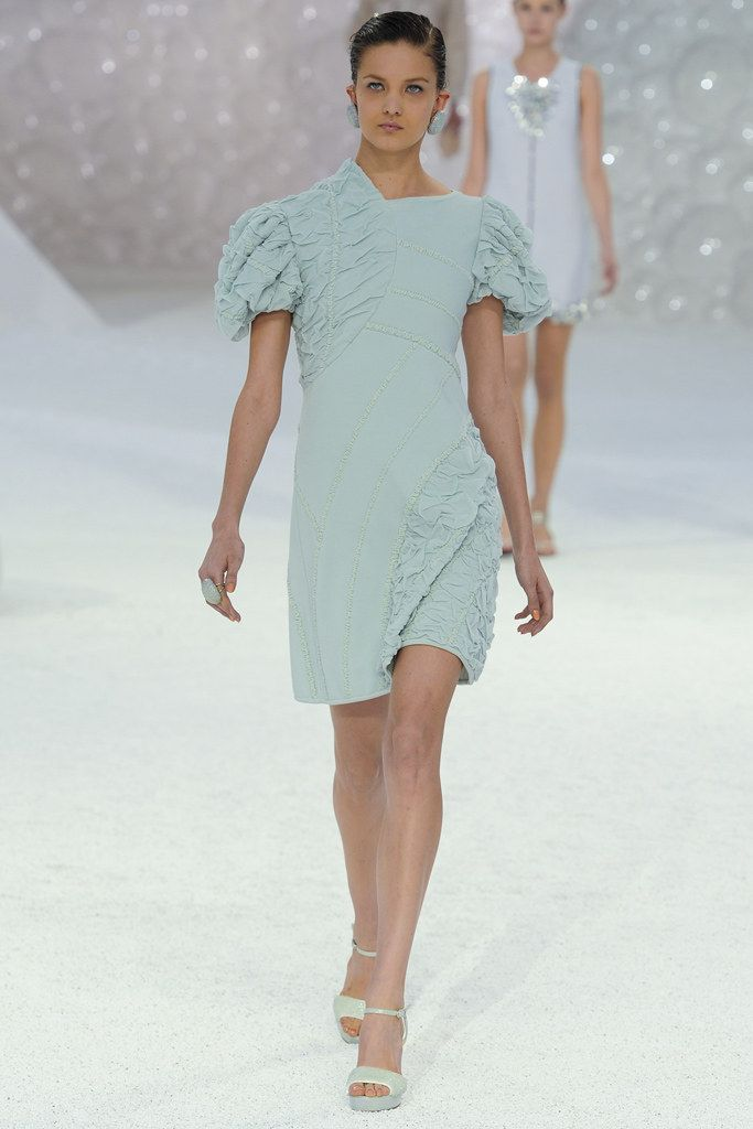 Chanel Spring 2012 Ready-to-Wear Fashion Show - Nadine Ponce