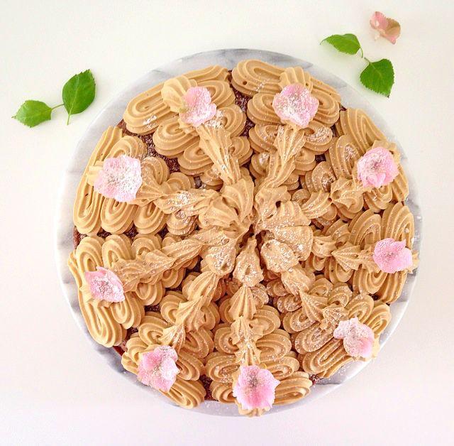 Härligtgod chokladtårta en riktig skönhet med lakrits. Recept framtaget av Lakritsroten