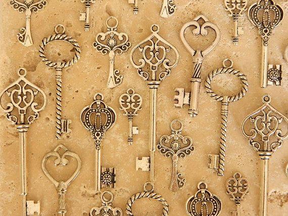 set of 24 skeleton keys antiqued silver keys by GlowberryCreations, $11.99
