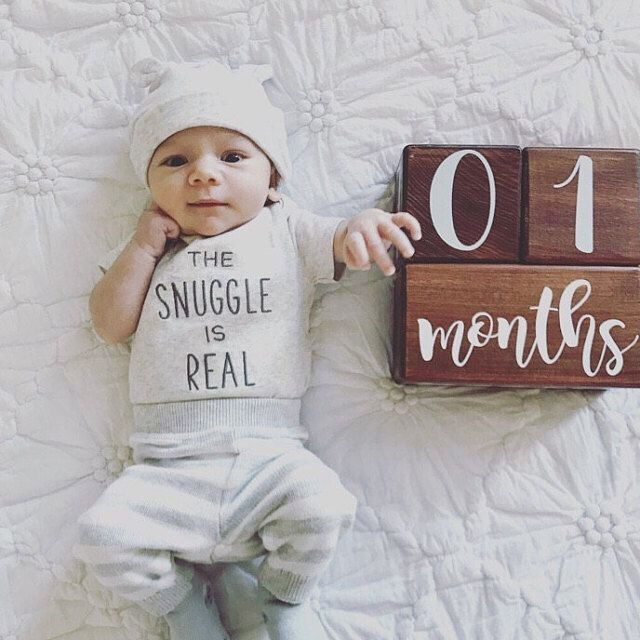 Baby's first year: Fun monthly baby pictures you MUST do! (Pin now, read later – Photography