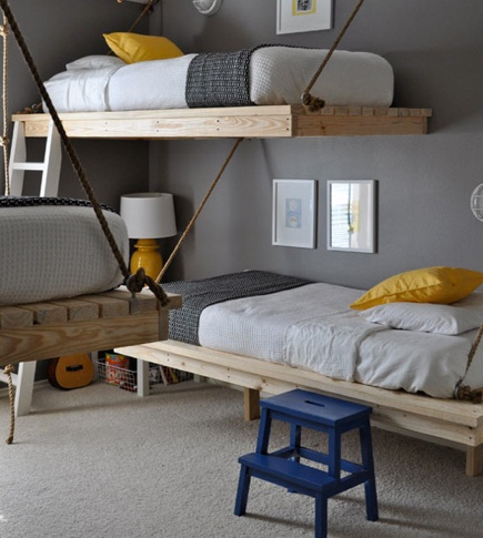 Awesome kid or guest room!