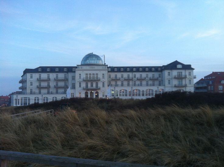 Lieblingsfleck Juist - Kurhaus Juist, das Wahrzeichen der Insel in weiß