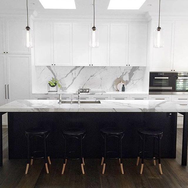 Now that's a kitchen... Reposted Via @snobfashionblog