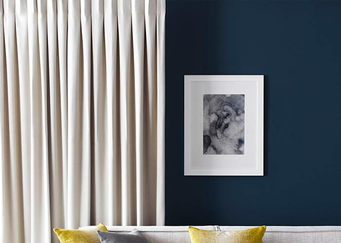 A Reverse Single Pleat curtain heading lends itself to a beautiful, minimalistic look; creating an illusion of fullness whilst requiring only minimal fabric.