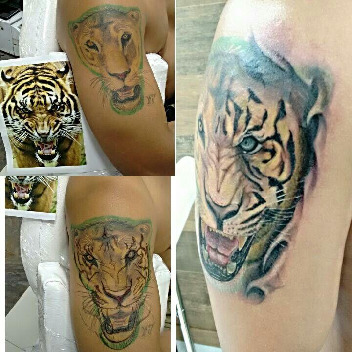 Cobertura de un tatuaje no deseado