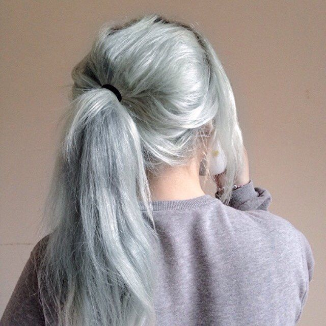 Grunge Pastel Green Hairstyle with Ponytail - http://ninjacosmico.com/32-pastel-hairstyles-ideas/