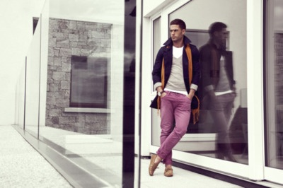 Boyfriends Style, Colors Pants, Fashion Photographers, Photos Ideas, Men Style, Purple Pants, Families Photos, Orange Scarf, Purple Denim Style Men Fashion