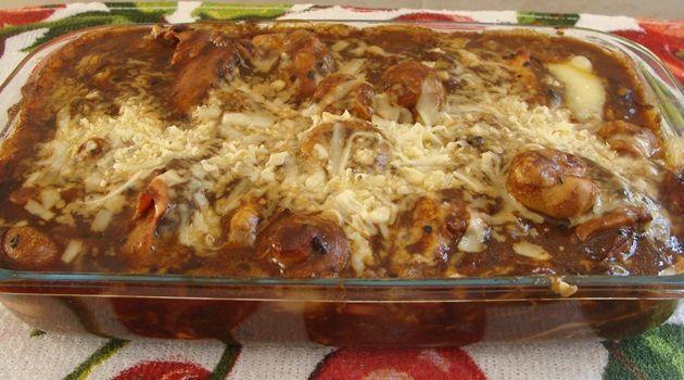 01 peça de lagarto  -   -  óleo ou azeite  -   -  2 tabletes de caldo de carne  -   -  1 xícara (chá) de cebola bem picada  -   -  1 xícara (chá) de salsa picada  -   -  1…