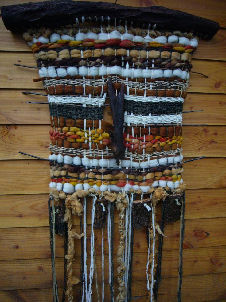 telar decorativo  en palo de Luma , hecho en lanas de ovejas ,1.15x1.60  m_daniza@hotmail.com