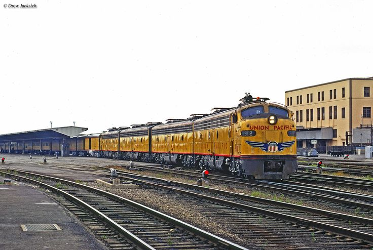 The City of Los Angeles, which began the M-10002 in 1936, connected Los Angeles with Chicago via the C&NW and later Milwaukee Road. It was in service until Amtrak in late April, 1971.
