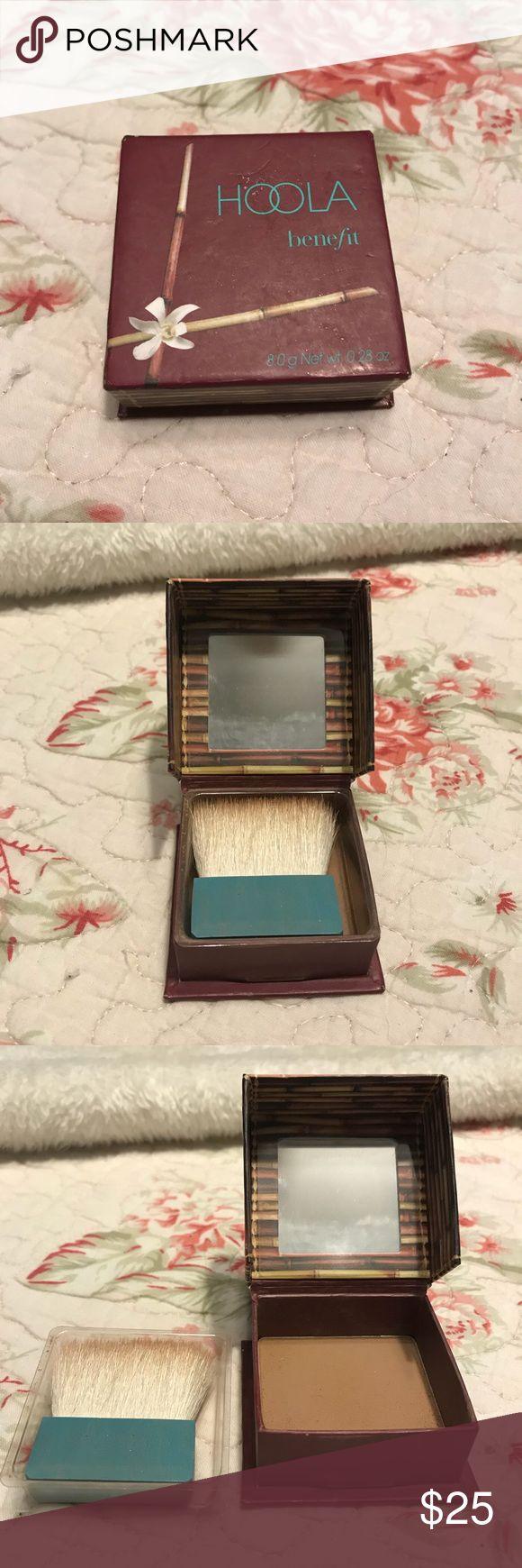 Benefit Hoola Bronzer Benefit's Hoola Bronzer in natural bronze. Lightly used. Default brush and plastic where brush sits on top of the powder. Looking for $25 OBO. Benefit Makeup Bronzer