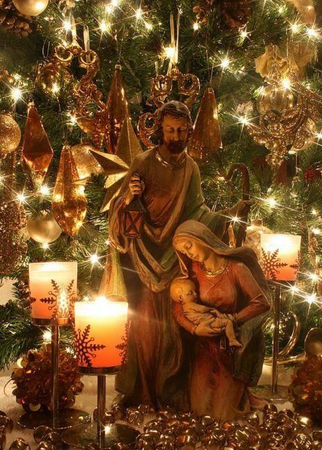 nativity scene - would be beautiful with burlap decor