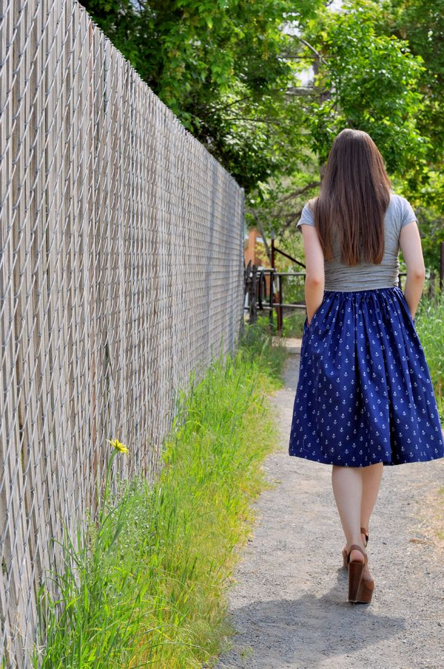 gathered a line skirt with elastic and pockets