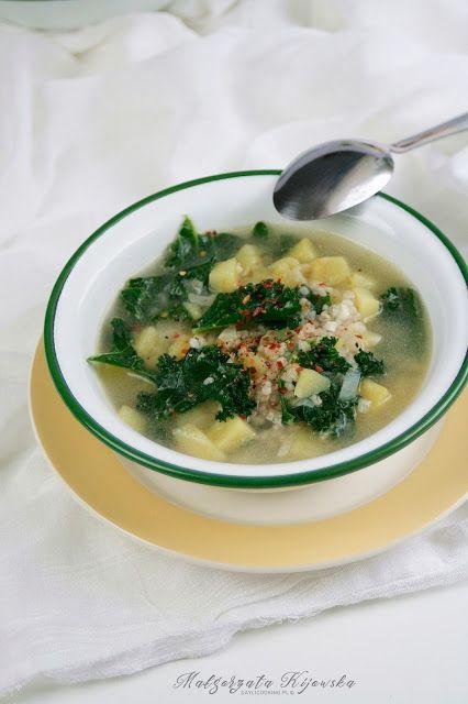 Zupa ziemniaczana z kaszą jęczmienną i jarmużem