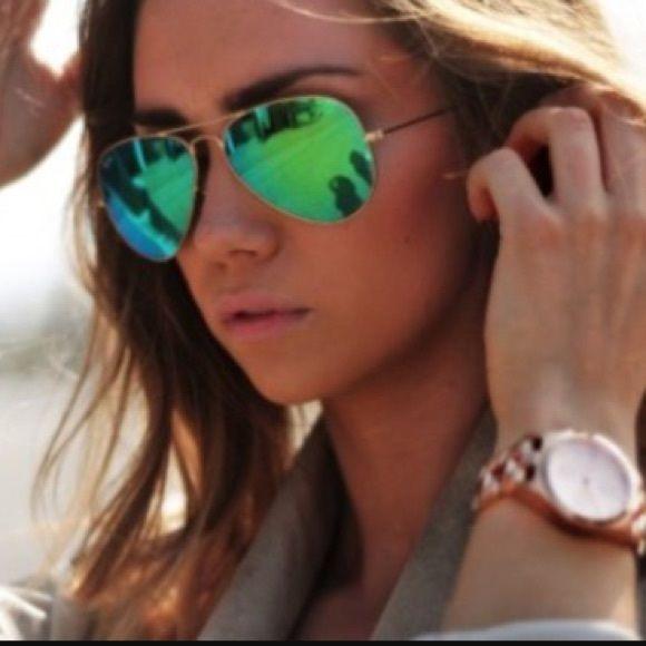 New gold green aviators mirrored Beautiful gold and green mirrored aviators new Accessories Glasses