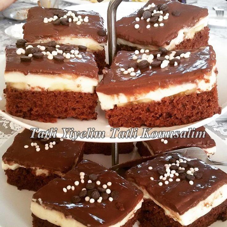 Selamun aleyküm canlar.. Bugün sizlerle cok lezzetli bir pasta tarifi paylasmak istiyorum gelen misafirlerimden tam not aldi sizlerde mutlaka deneyin derim. Malesef yapim asamalarini resimleyemedim…