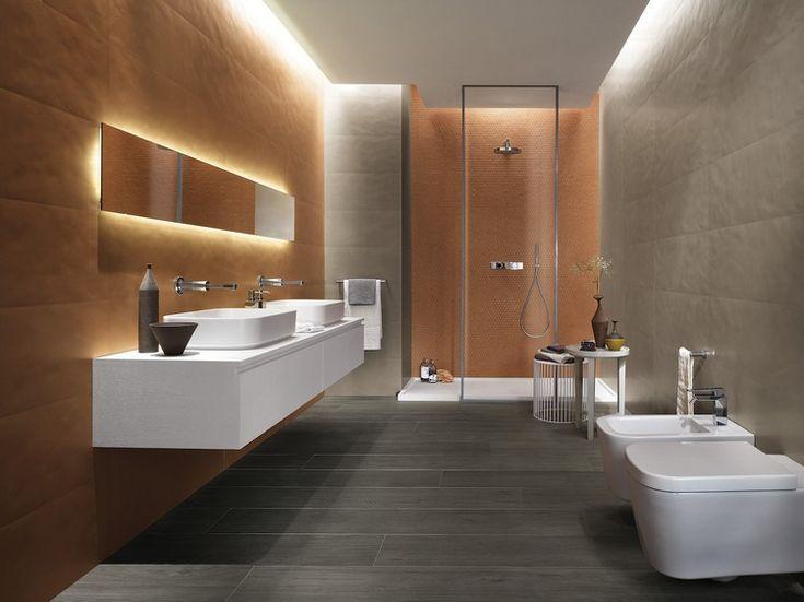 Cool Modernes Bad mit indirekter Beleuchtung