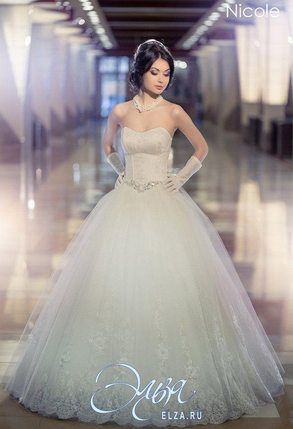 Cвадебное платье Николь: пышное платье (бальное), балетный стиль, длинное платье, с вырезом сердечком, с очень пышной юбкой, без шлейфа, модель до 2016 года, платье, в ограниченном количестве, фатиновая юбка, юбка с кружевным фестоном, основная ткань: кружево, фатин