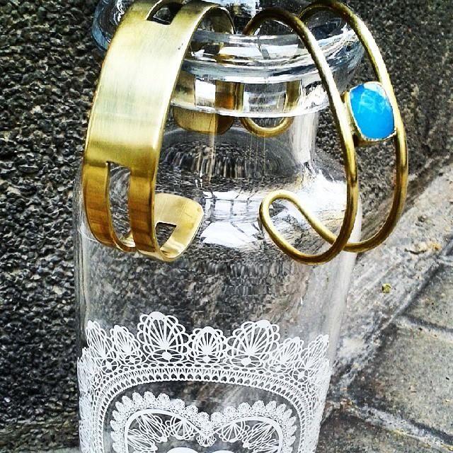 Acaba de llegar colección India #bracelets #bronze #pink #turquoise #hippylook #coachella_style — en Bicombo.