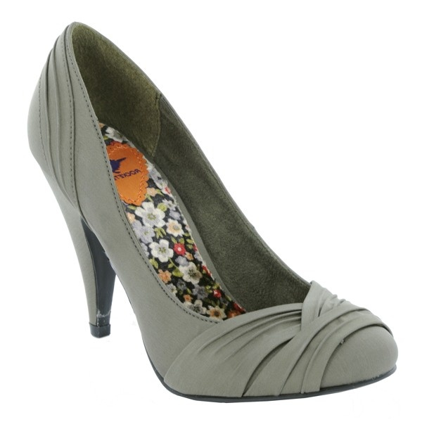 grey shoe- love the twist