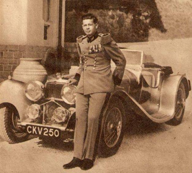 FOTO Incredibila poveste a celei mai frumoase maşini conduse de regele Mihai | adevarul.ro